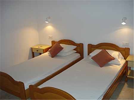Twin Room in 2 bedroomed apartment