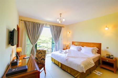 Loto's Inn & Suites Hotel