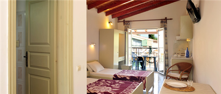 Philippos Apartments, Kassiopi, Corfu (room)